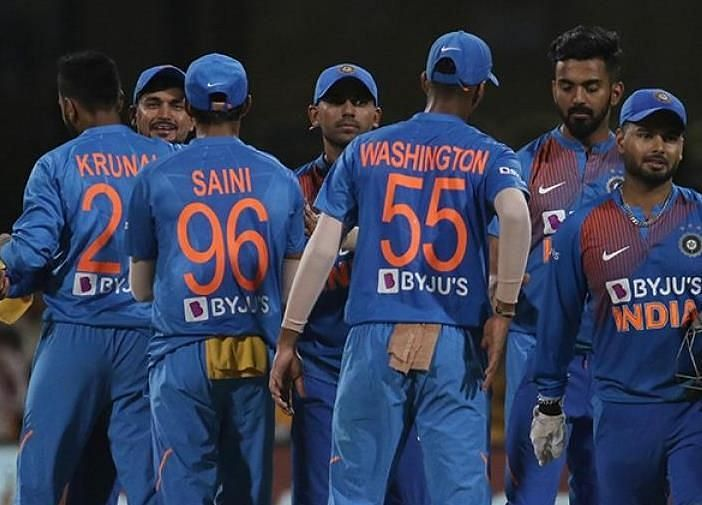 दक्षिण अफ्रीका के खिलाफ सीरीज बराबर होने के बाद भारतीय टीम (फोटो: BCCI)