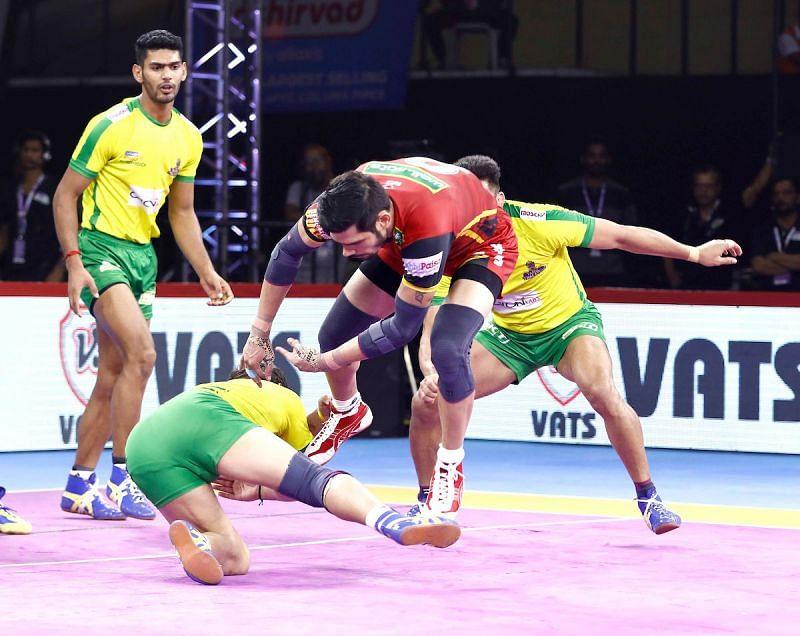 तमिल थलाइवाज और बेंगलुरु बुल्स के बीच हुआ रोमांचक मैच