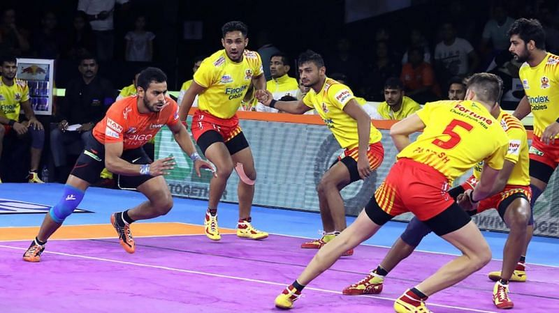 Will the defence of the Fortunes Giants be able to stop Abhishek Singh?