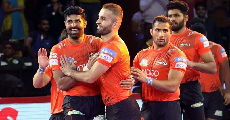 Sandeep Narwal (3rd from left) put in a decent show from the right corner