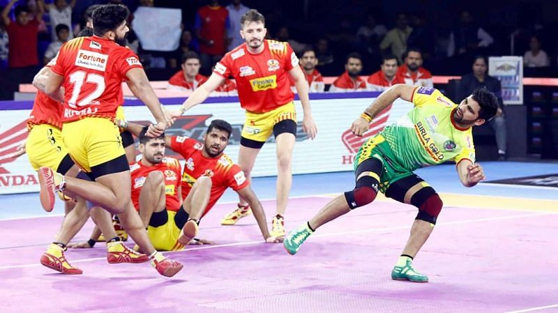 Pardeep Narwal demolished the defence of Gujarat Fortune Giants