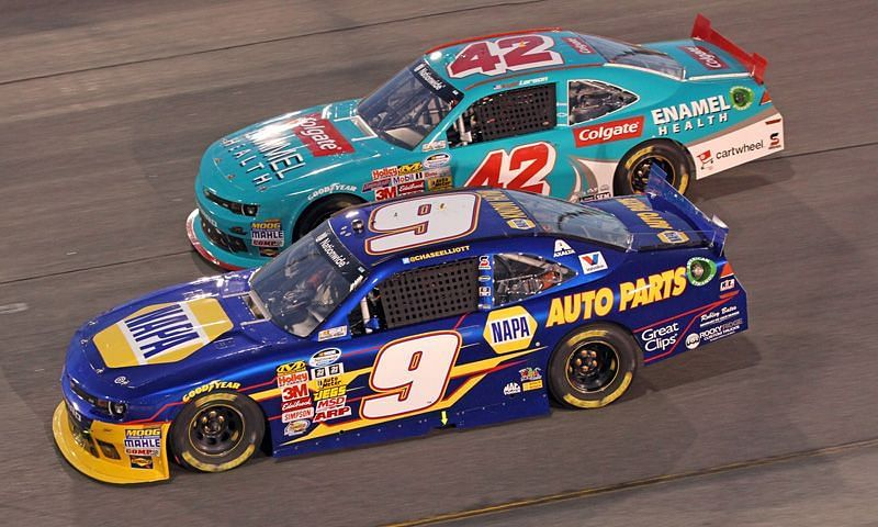 What are the chances of Kyle Larson and Chase Elliott making the final four?