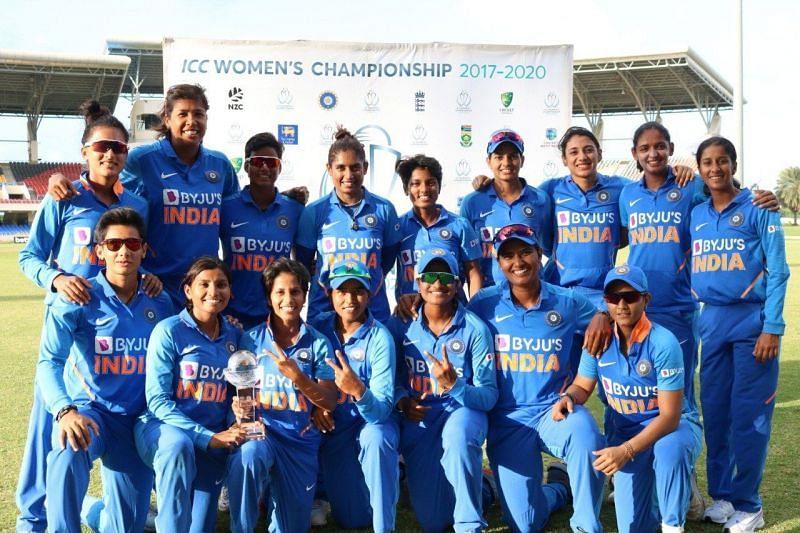 भारतीय महिला क्रिकेट टीम सीरीज जीतने के बाद