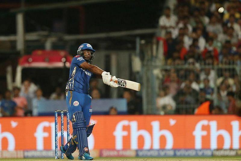 मुंबई इंडियंस के लिए बल्लेबाज़ी करते हुए एविन