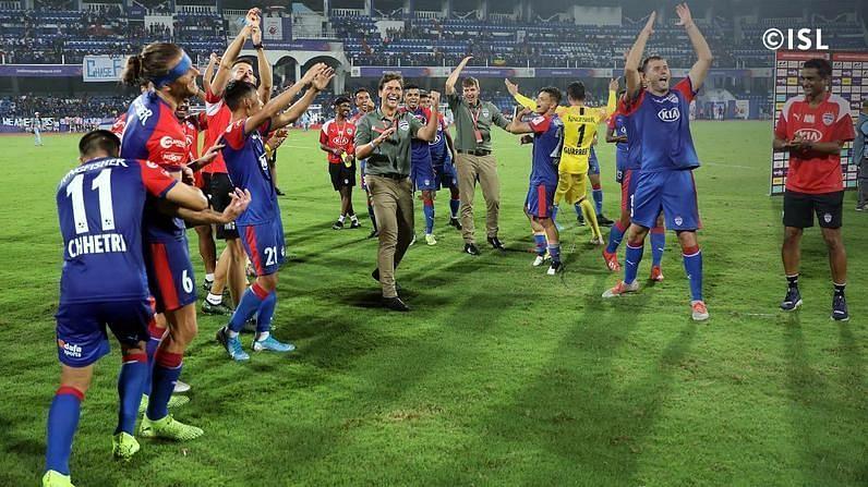Bengaluru FC players celebrate after beating Chennaiyin FC. Photo Credits: indiansuperleague.com
