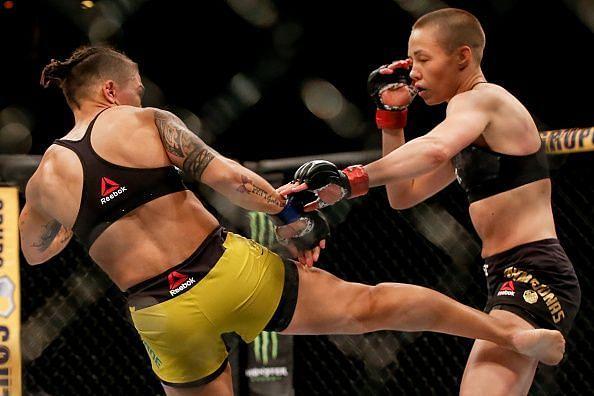 UFC 237: Namajunas v Andrade.