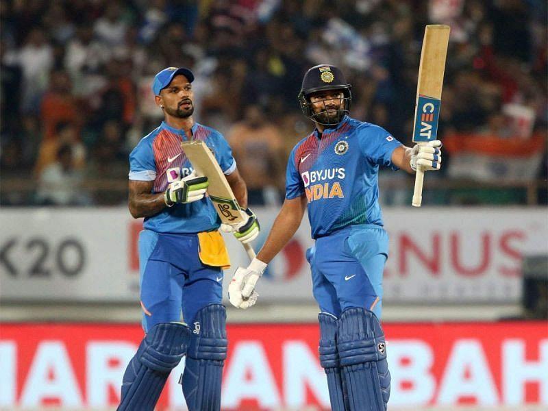 शिखर धवन के साथ कप्तान रोहित शर्मा