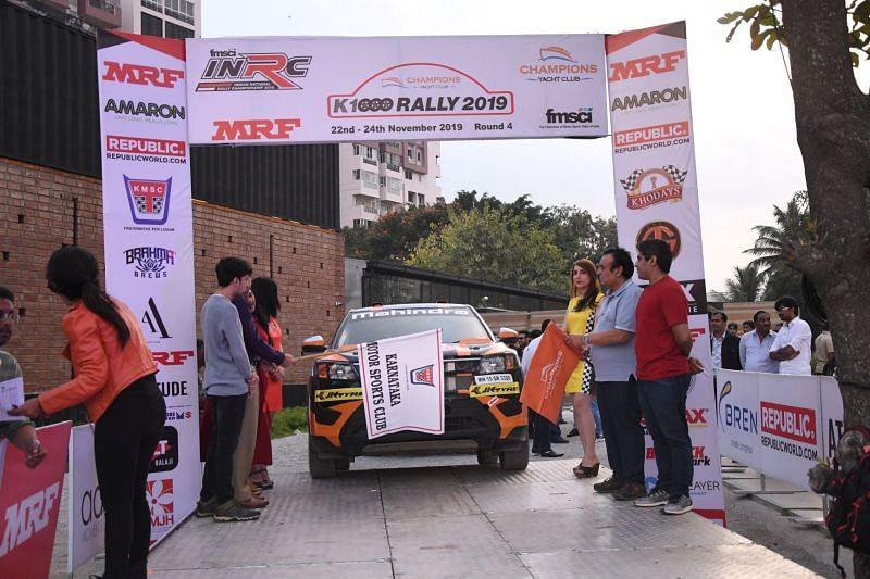 Gaurav being flagged off at the ceremonial start of K-1000