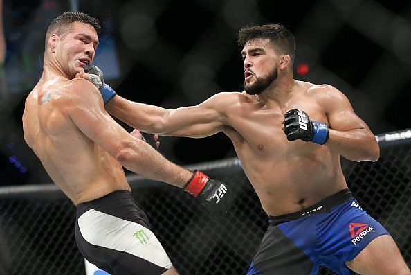 Kelvin Gastelum vs Chris Weidman