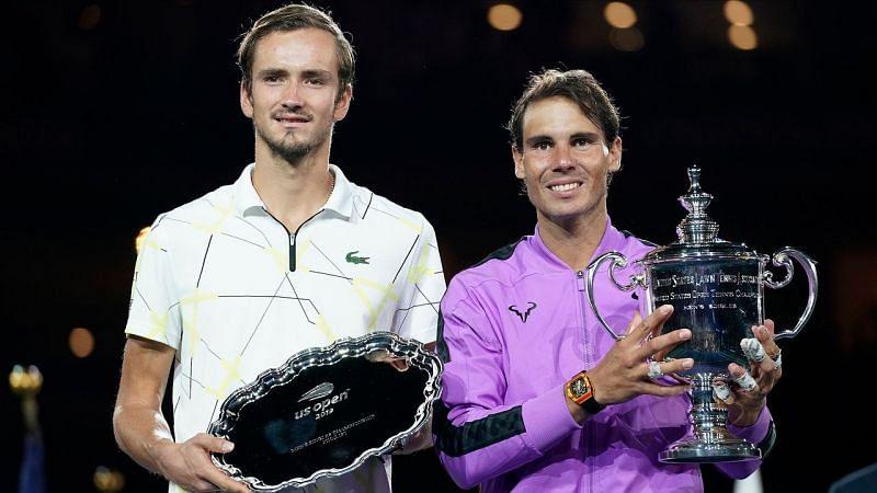 Daniil Medvedev (L) and Rafael Nadal