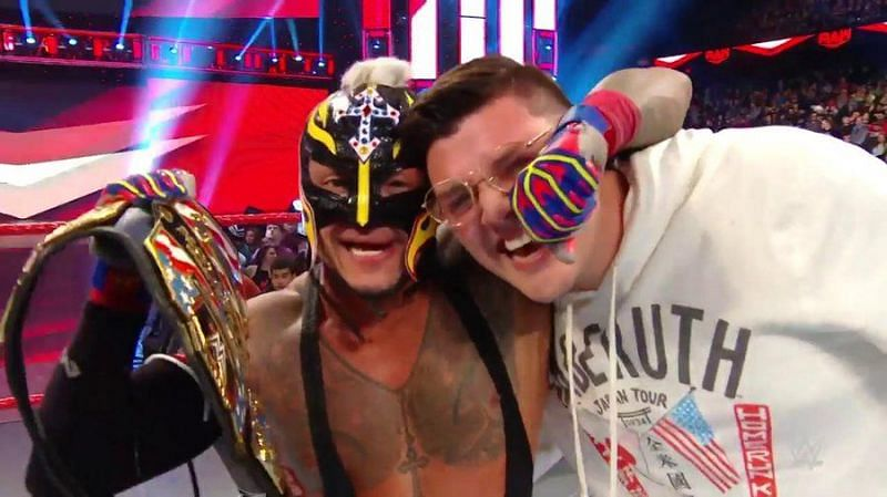 WWE RAW: 5 Reasons why Rey Mysterio beat AJ Styles to win the United States Championship