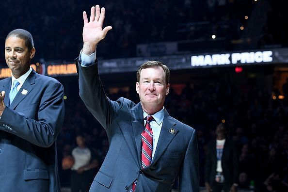 Mark Price was a point guard for Cleveland Cavaliers.