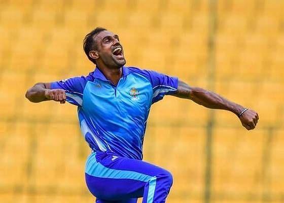 अभिमन्यु मिथुन ने 4 गेंदों पर लगातार 4 विकेट लिए