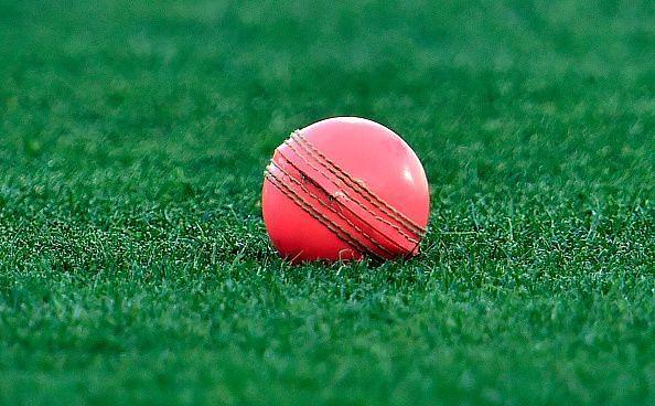 गुलाबी गेंद
