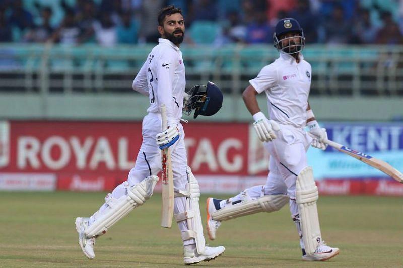 पारी घोषित करने के बाद भारतीय बल्लेबाज़
