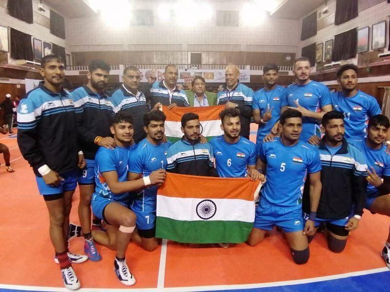 गोल्ड मेडल जीतने के बाद भारतीय कबड्डी टीम