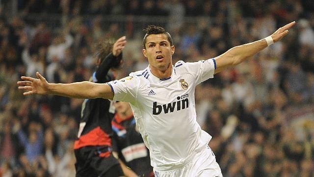 Ronaldo celebrates his first quadruple in league football