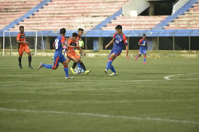 Sudipta of South United FC tried to take on many of the BFC defenders