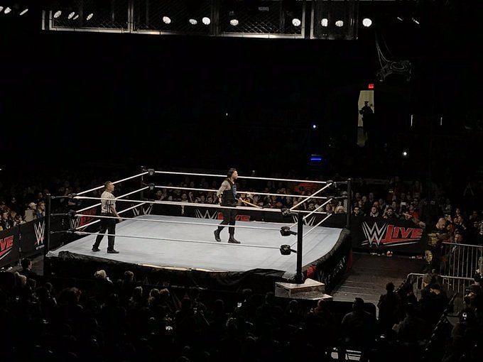 रोमन रेंस अपने मैच के दौरान (फोटो: ट्विटर)