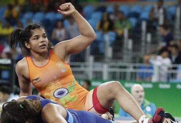 साक्षी मलिक ने रेसलिंग में स्वर्ण पदक जीता (File Photo)
