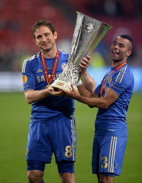 Lampard & Cole with the Europa League trophy