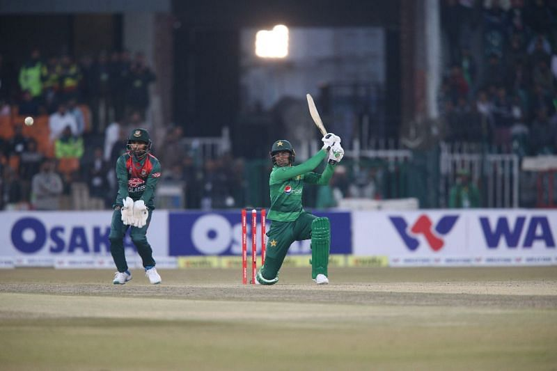 Shoaib Malik batted brilliantly on a slow pitch and remained unbeaten on 58*, taking his team to victory