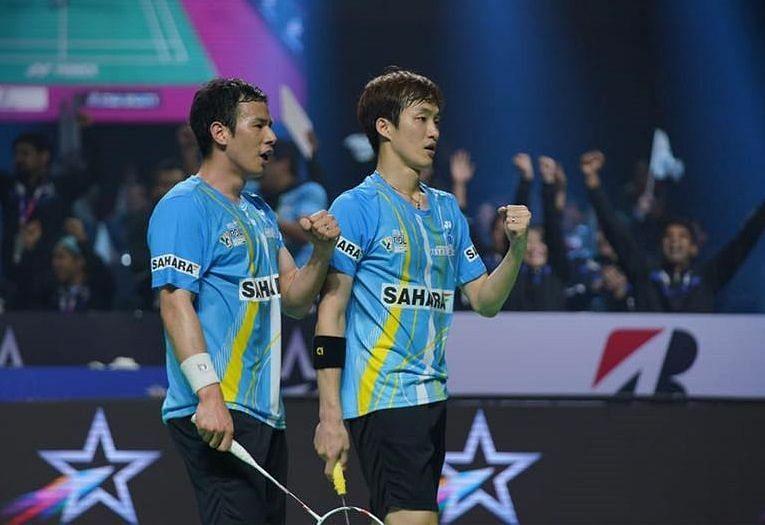 Ko Sung Hyun and Shin Baek Cheol celebrate after winning the Men