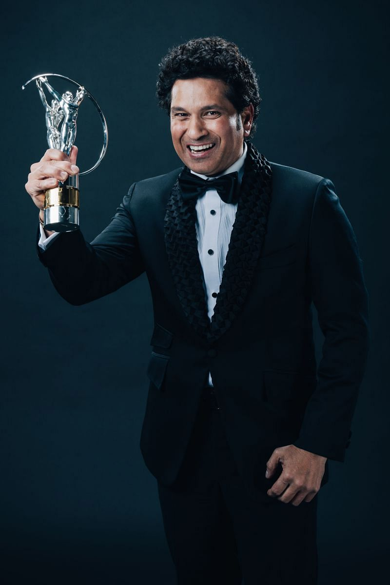 The Little Master with the award