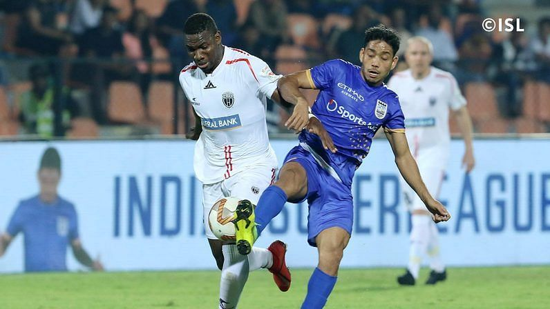 Sourav (R) has been indispensable for Mumbai City FC in recent matches