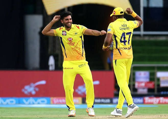 Deepak Chahar and Dwayne Bravo celebrating