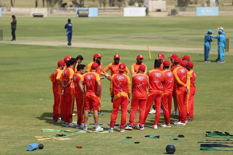 Islamabad United get into a team huddle before a match with Peshawar Zalmi. Despite an extended playing absence, Luke Ronchi picked up form terrifically. Lahore Qalandars