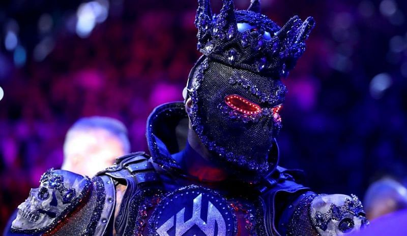 Top heel Superstar takes a dig at Deontay Wilder; Says loss at WWE Super ShowDown was due to entrance gear