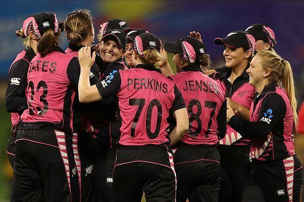 न्यूजीलैंड की जीत से शुरुआत