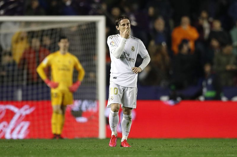 Luka Modrić reacting after Madrid went 1-0 down against Levante.