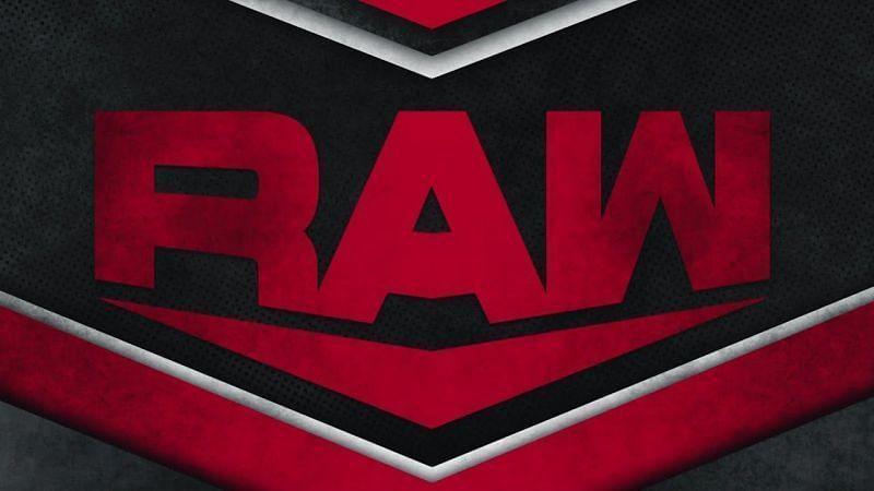 WWE को रॉ में चल रही सबसे रोमांचक स्टोरीलाइन में करना होगा फेरबदल