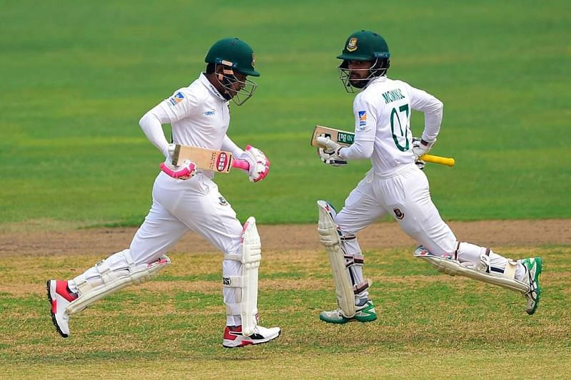 Mushfiqur Rahim and Monimul Haque running for a single.