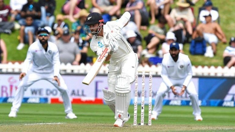 Day 2 saw New Zealand nab a lead of 51 with 5 wickets in hand