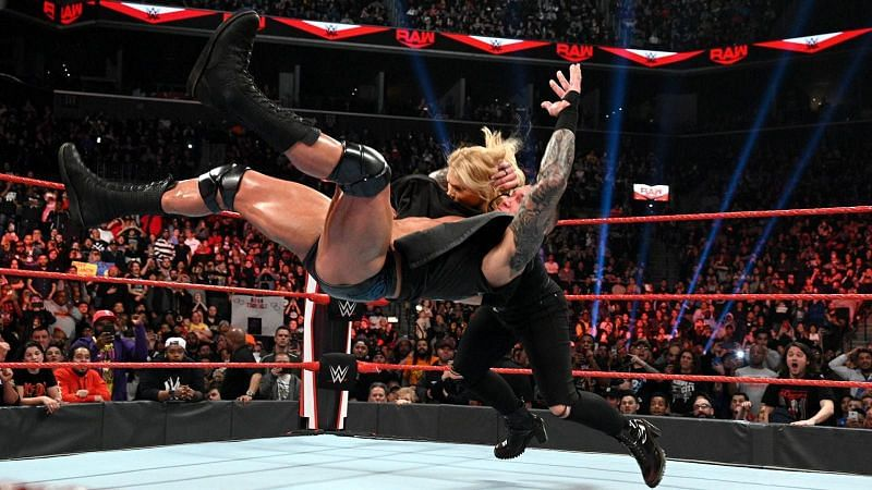 Orton attacks Beth Phoenix