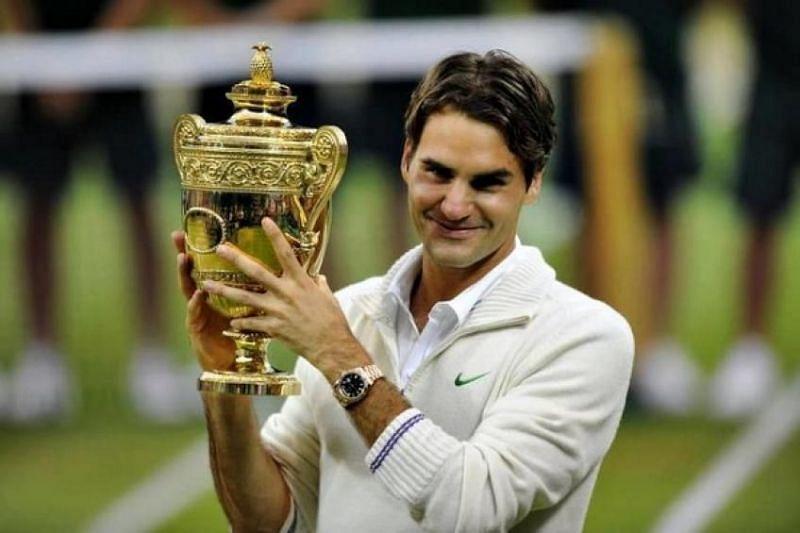 Roger Federer lifting the Wimbeldon title