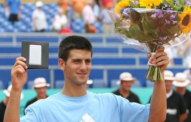 Djokovic lifts his first career singles title at 2006 Amersfoort.