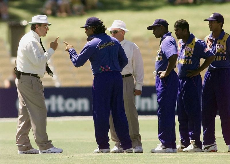 Sri Lankan captain Arjuna Ranatunga in a heated conversation with Ross Emerson