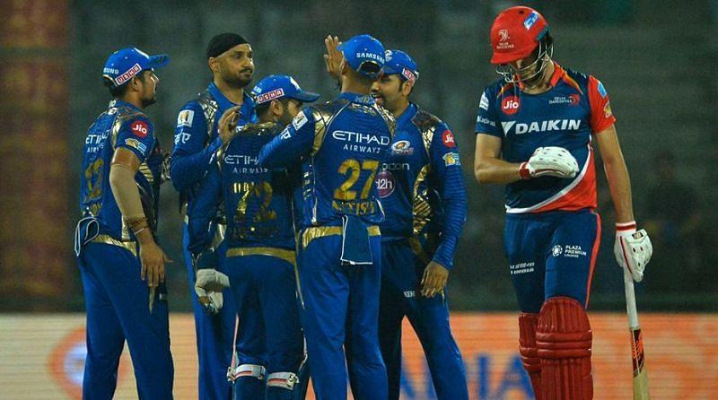 मुंबई इंडियंस ने दिल्ली के बल्लेबाजों को सस्ते में निपटा दिया