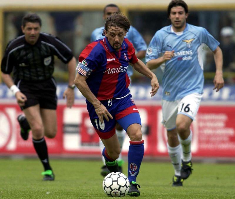 Guiseppe Signori representing Bologna in Serie A
