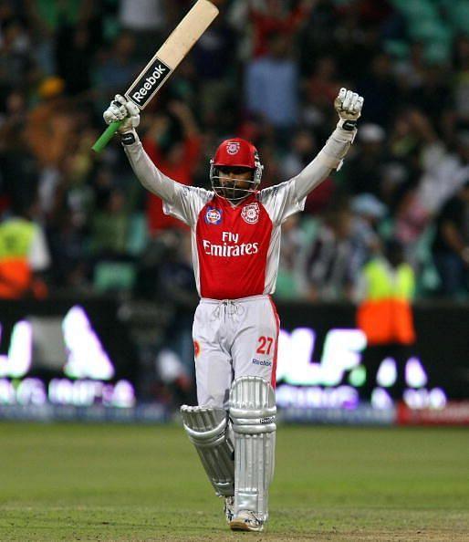 2010 में महेला जयवर्धने ने एक मैच में पंजाब की कप्तानी की थी, लेकिन टीम को हार मिली