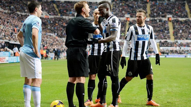 Cheick Tiote could not believe his goal was disallowed against Manchester City