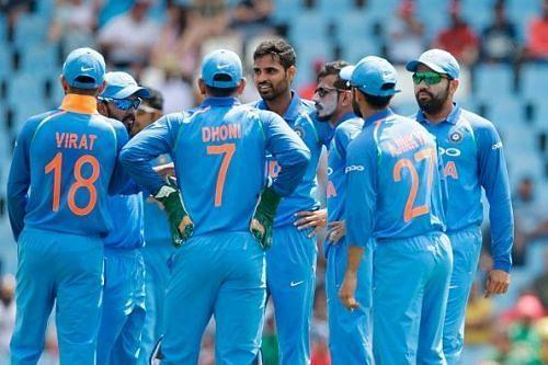 दो भारतीय गेंदबाजों ने दिए हैं 100 से ज्यादा रन