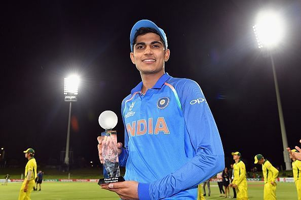 Shubman Gill with the Player of the Tournament trophy at the 2018 under-19 World Cup