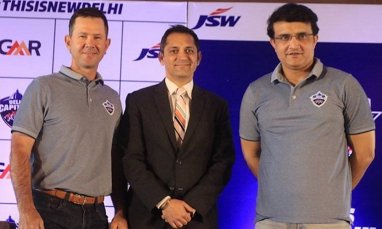 Dhiraj Malhotra (c) with Sourav Ganguly and Ricky Ponting