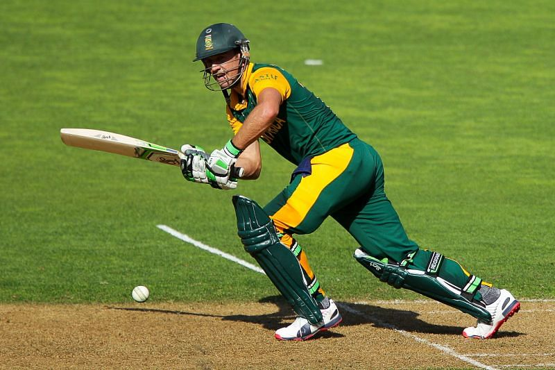 एबी डीविलियर्स भी वनडे में 99 के स्कोर पर आउट हो चुके हैं