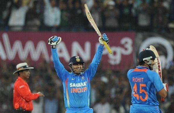 भारत के लिए तीन बल्लेबाजों ने लगाया है दोहरा शतक